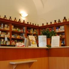 Uránia Gyógyszertár