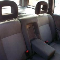 Opel astra hátső ülés kárpitozás